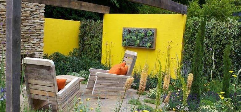 עיצוב גינה1 - איך מכניסים צבע לגינה?