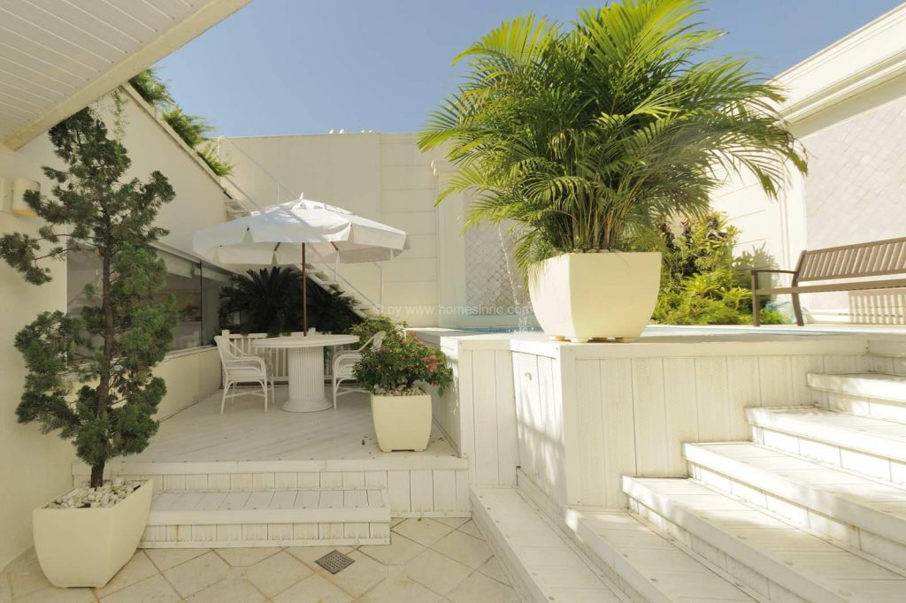 מרפסת 3 1024x682 - הקמת גינה על גגות ומרפסות
