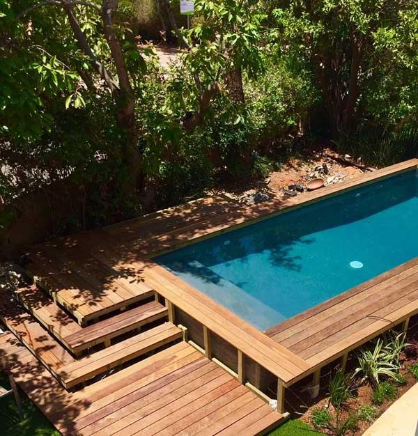 בריכה בגינה 3 - הקמת בריכת בטון יוקרתית בשרון