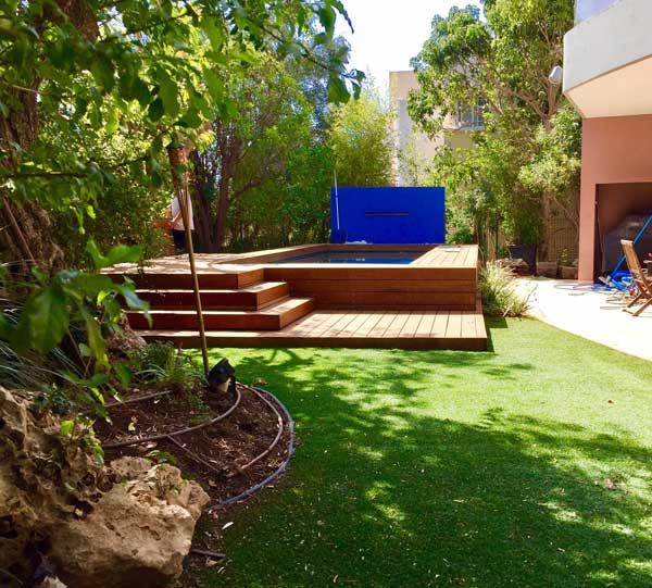 עיצוב גינות ובריכות - הקמת בריכת בטון יוקרתית בשרון