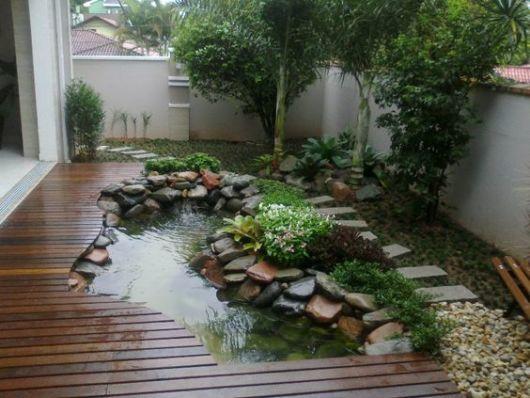 עיצוב גינות עם בריכות נוי, מפלים ואלמנטים של מים
