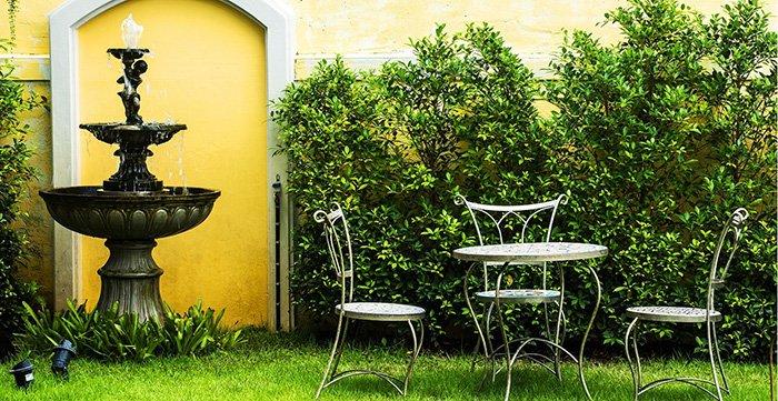 בגינה שער כתבה - בריכות נוי ומזרקות מים לגינה