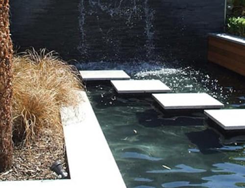 בריכות נוי ומזרקות מים לגינה
