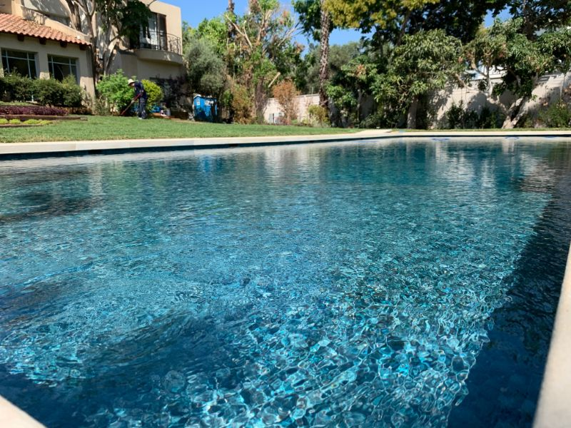 הבריכה בסיום 1 - איך מקימים בריכת שחיה ביתית?