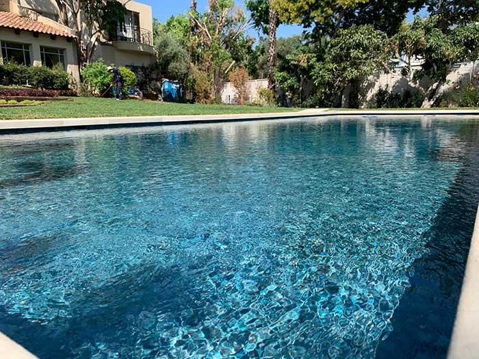בריכת שחיה בחצר - בלוג עיצוב גינות