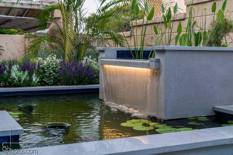 נוי ומפלי מים - 5 רעיונות לעיצוב גינות מיוחדות