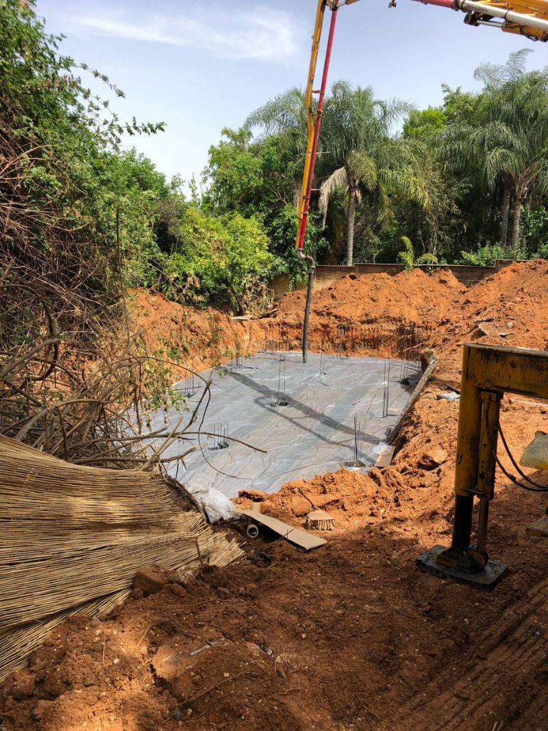 הקמת בריכת בטון 1 - תהליך הקמת בריכת שחיה ביתית מבטון