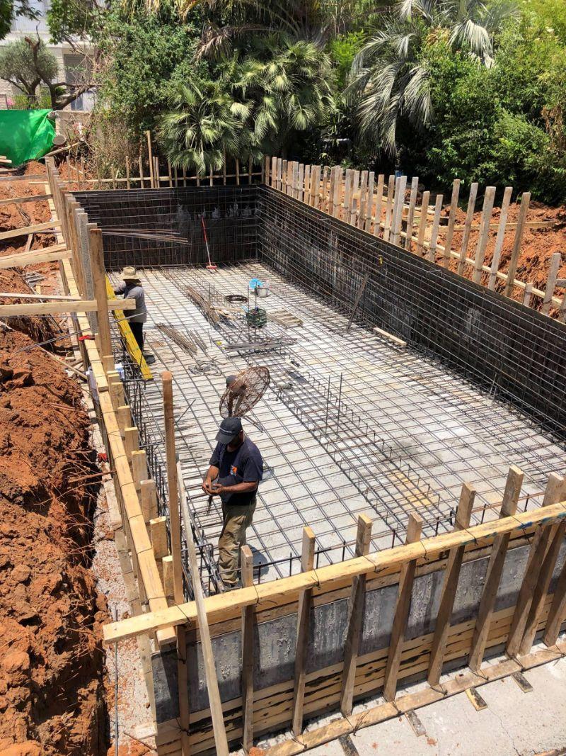 הקמת בריכת בטון 3 - תהליך הקמת בריכת שחיה ביתית מבטון